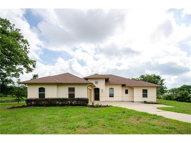Photo of 597 Clubhouse Drive  Corsicana  TX