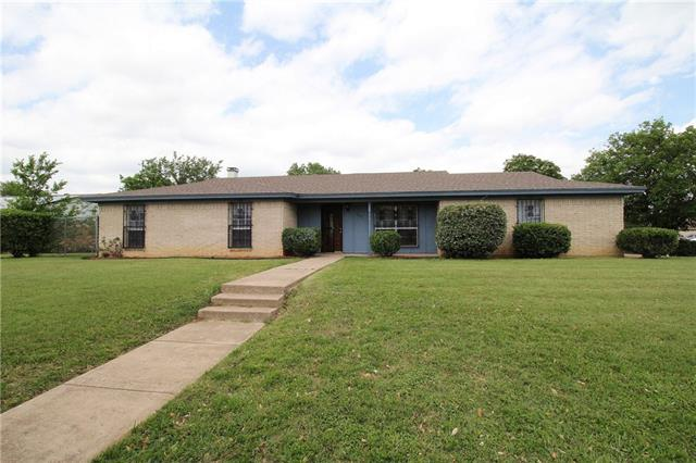 Photo of 3241 Bunker Hill Drive  Forest Hill  TX