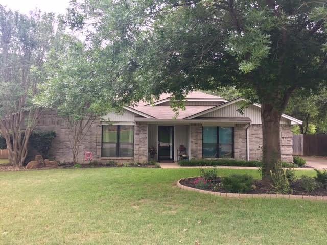 Photo of 5605 Oak Brook Road  Arlington  TX