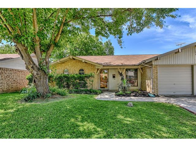 Photo of 325 Forrest Hill Lane  Grand Prairie  TX