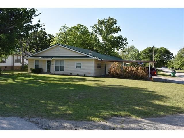 Photo of 509 E Cedar Street  Nocona  TX