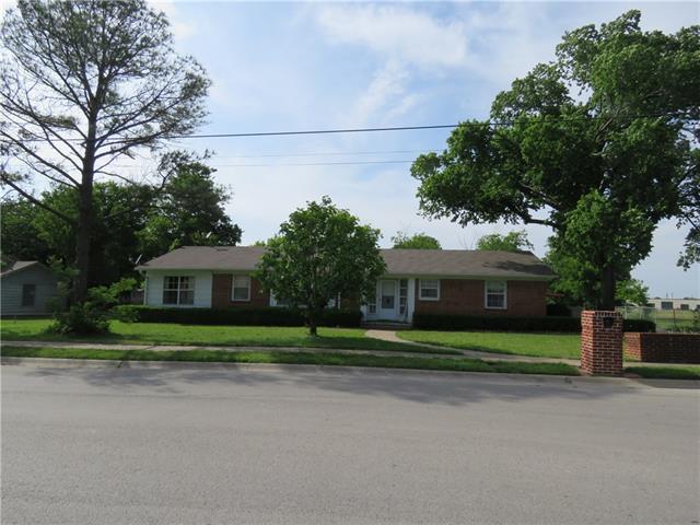 Photo of 507 E Kilpatrick Street  Cleburne  TX