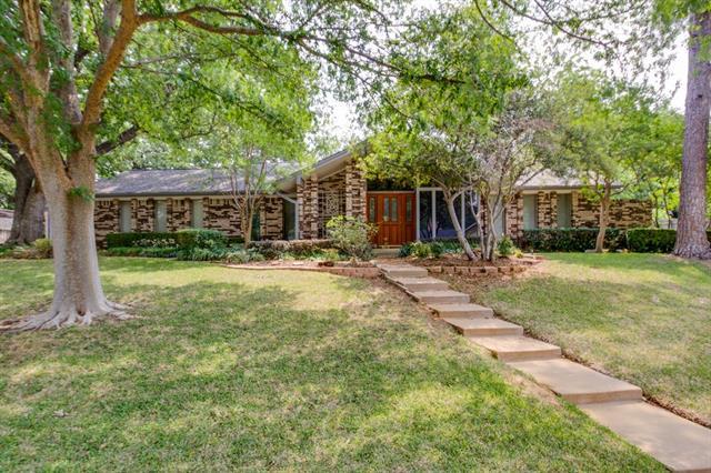 Photo of 3905 Country Club Road  Arlington  TX