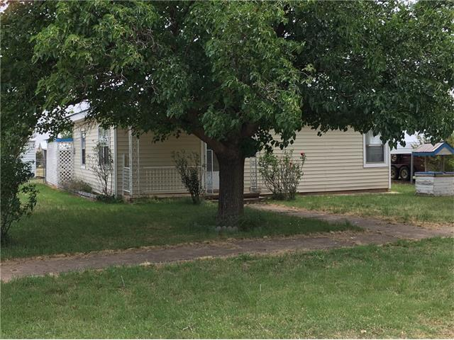 Photo of 1401 Mccarty Street  Aspermont  TX