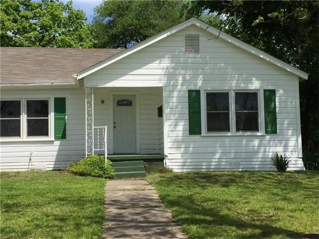 Photo of 813 W State Street  Groesbeck  TX