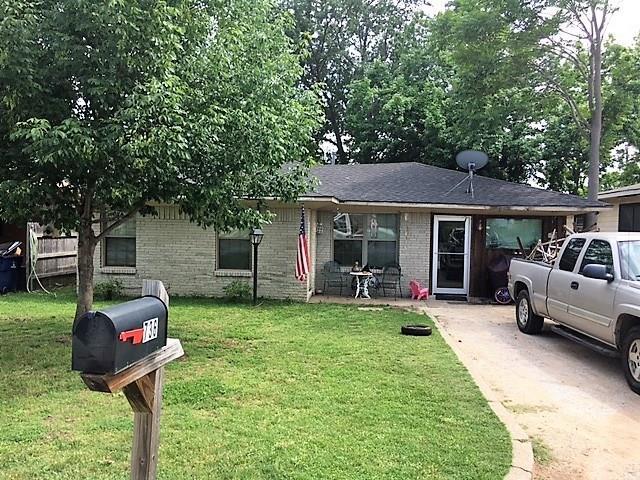 Photo of 736 W Bullock Street  Denison  TX