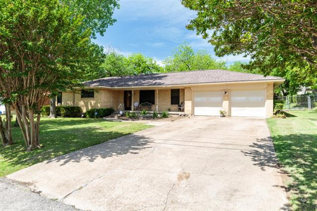 Photo of 403 N Chattey Road  DeSoto  TX