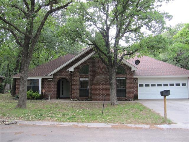 Photo of 1509 Shady Lane  Decatur  TX