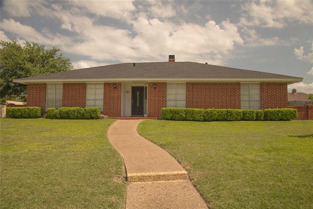 Photo of 903 Cambridge Drive  Duncanville  TX