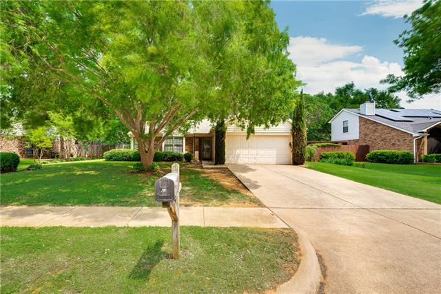Photo of 2705 Fountainview Drive  Corinth  TX