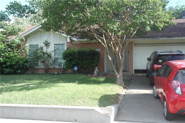 Photo of 618 Bentwood Drive  Lewisville  TX