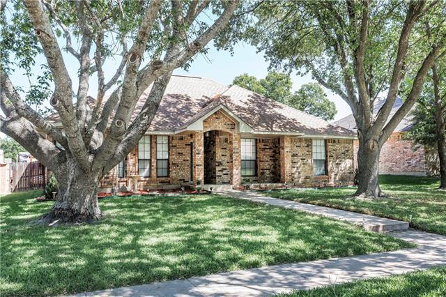 Photo of 1304 Casa Linda Street  Ennis  TX