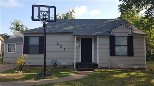 Photo of 225 E Evans Avenue  Bonham  TX