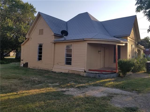 Photo of 507 W Chambers Street  Cleburne  TX