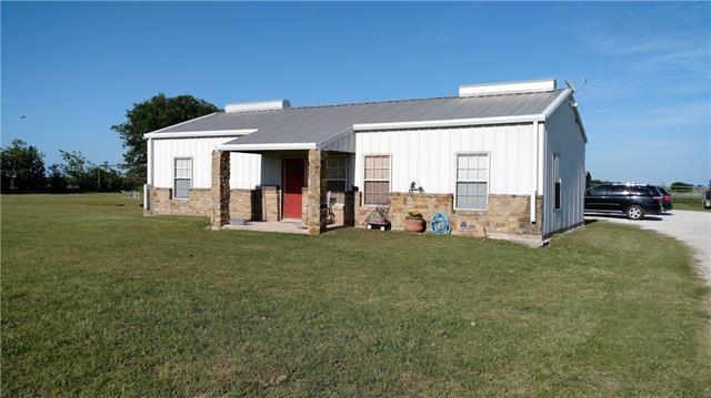 Photo of 200 George Owens Road  Ponder  TX