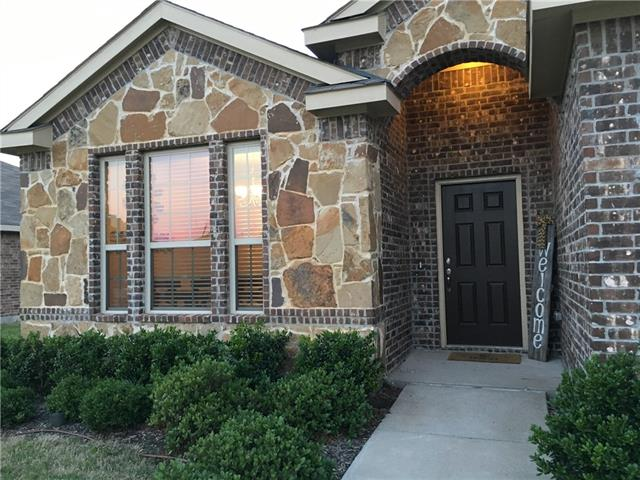 Photo of 1518 Greenbrier Drive  Van Alstyne  TX
