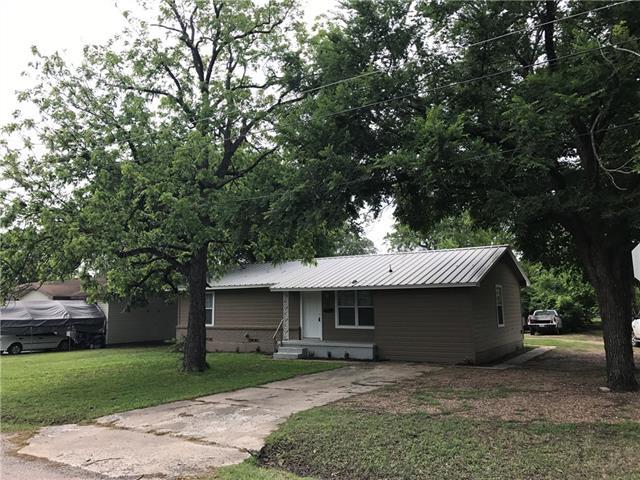 Photo of 925 W 11th Street  Bonham  TX