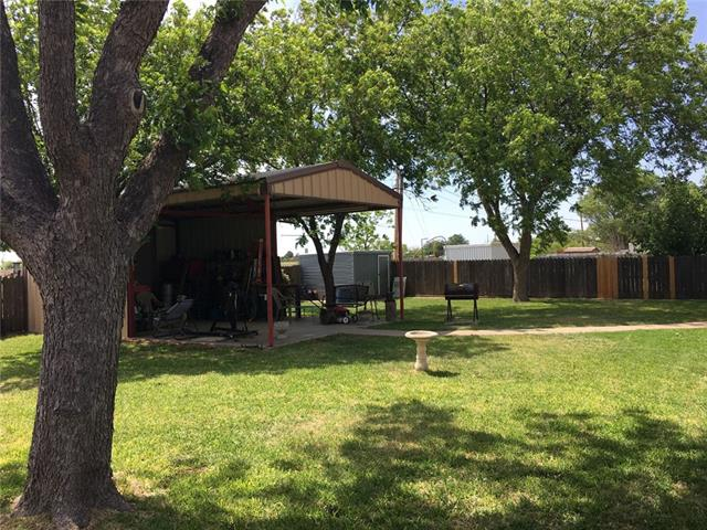Photo of 1304 Portland Avenue  Stamford  TX