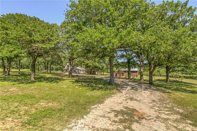 Photo of 4612 Slayton Road  Cleburne  TX