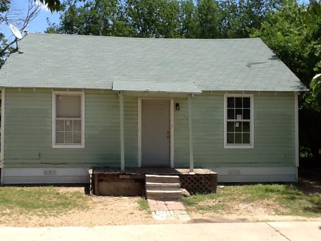 Photo of 100 Henderson Street  Waxahachie  TX