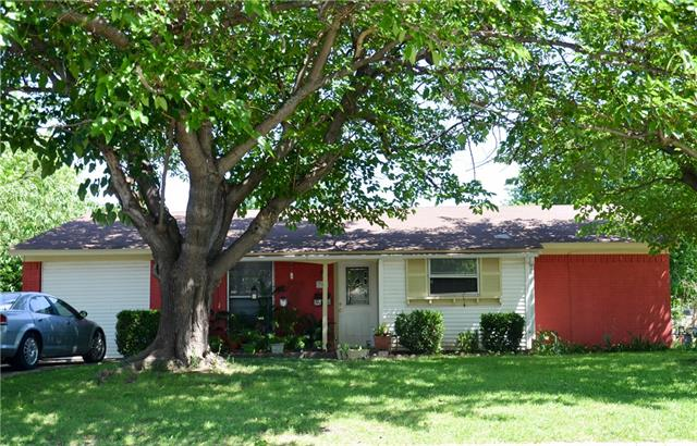 Photo of 709 SW Southridge Drive  Burleson  TX