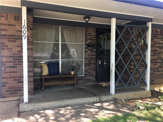 Photo of 1609 E Magnolia Street  Sherman  TX