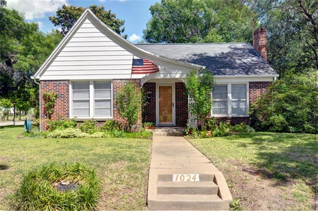 Photo of 1024 Bonnie Brae Avenue  Fort Worth  TX