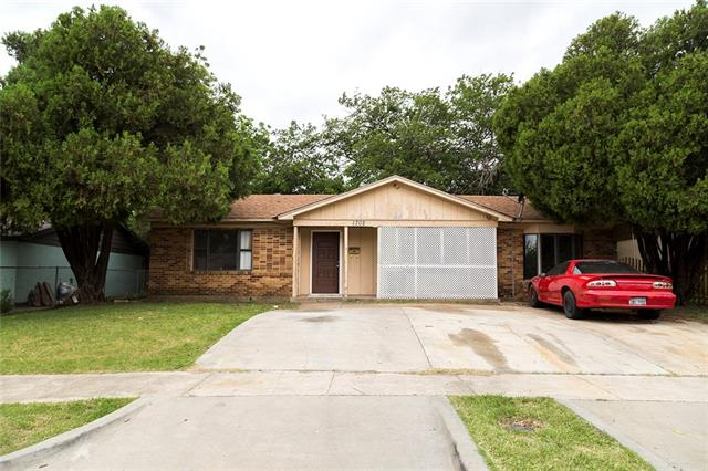 Photo of 1702 Proctor Drive  Grand Prairie  TX