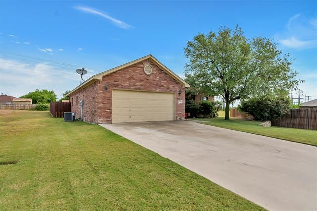 Photo of 130 Hummingbird Drive  Weatherford  TX