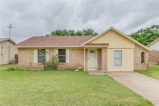 Photo of 1601 Mcanear Street  Cleburne  TX