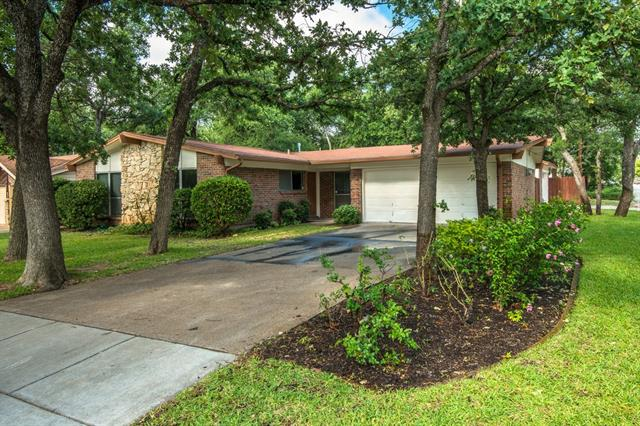 Photo of 96 Ravenswood Drive  Bedford  TX