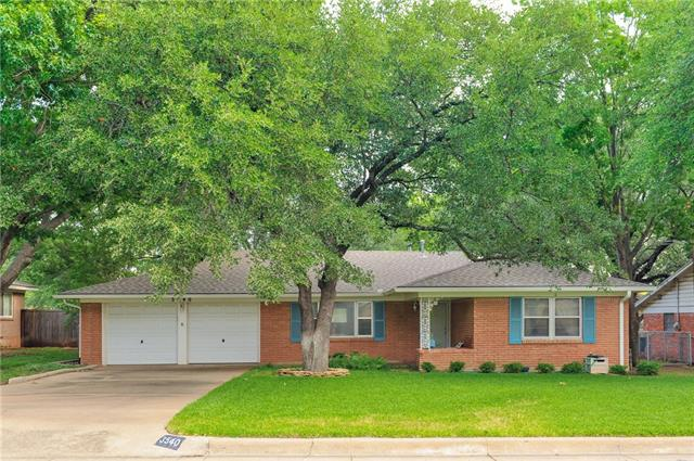 Photo of 3540 Wedgway Drive  Fort Worth  TX