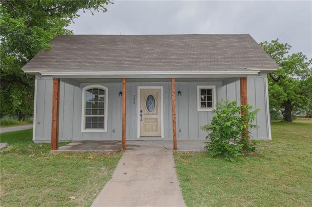 Photo of 766 N Belknap Street  Stephenville  TX