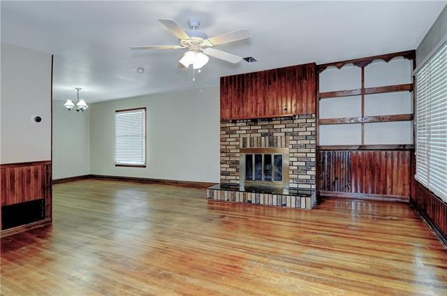 Photo of 104 W Acheson Street  Denison  TX