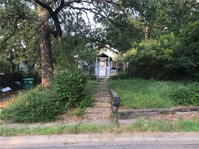 Photo of 903 S Elm Street  Denton  TX