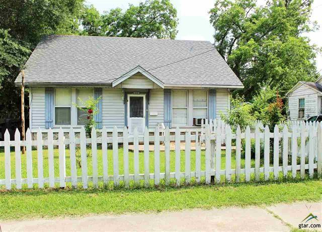 Photo of 606 E 3rd  St  Mount Pleasant  TX