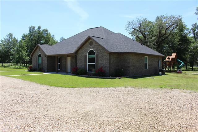 Photo of 400 County Road 36120  Honey Grove  TX