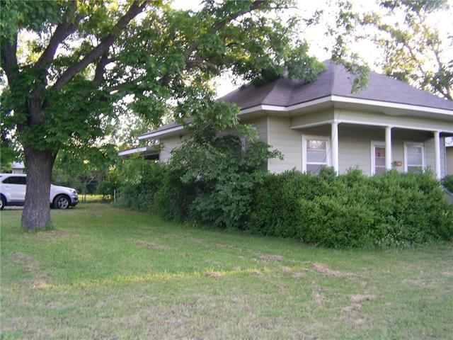Photo of 610 E Henry Street  Hamilton  TX