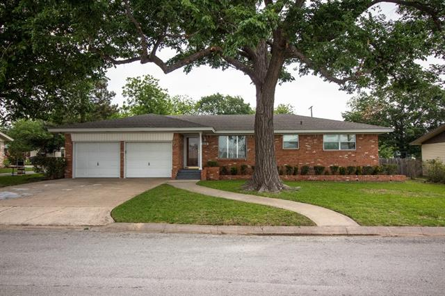 Photo of 608 N Maple Street  Muenster  TX