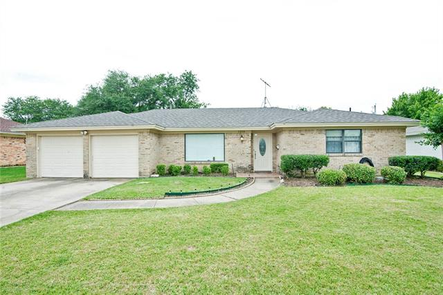 Photo of 1316 Linden Drive  Plano  TX