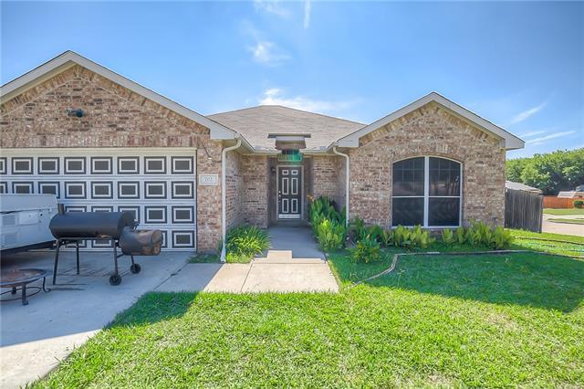 Photo of 702 Green Acres Lane  Midlothian  TX
