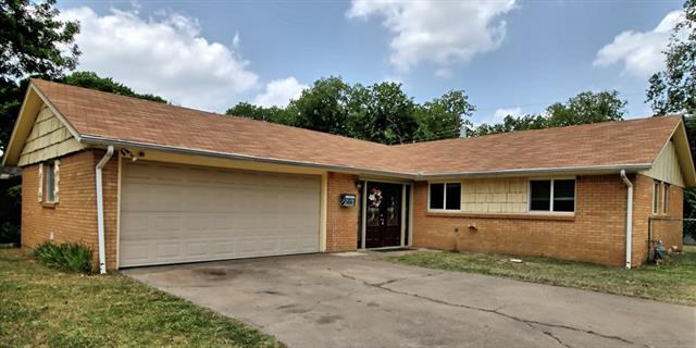 Photo of 608 Bayless Drive  Euless  TX