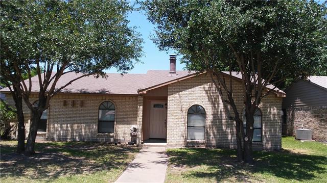 Photo of 1426 Coffeyville Trail  Grand Prairie  TX