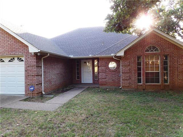 Photo of 205 Camelot Drive  Weatherford  TX