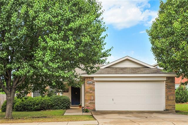 Photo of 9209 WHISTLEWOOD Drive  Fort Worth  TX