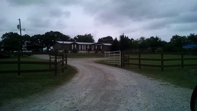 Photo of 109 Oak Drive  Springtown  TX