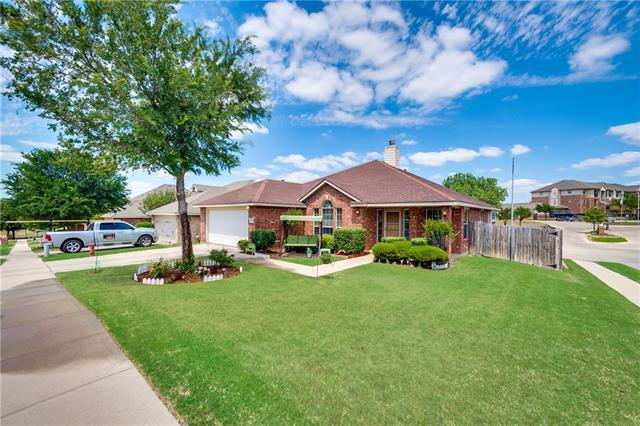 Photo of 4700 Stockwood Drive  Fort Worth  TX