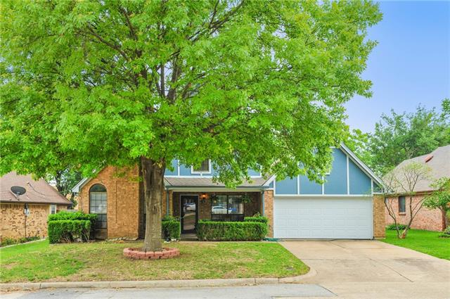 Photo of 800 GREENLEAF Drive  Arlington  TX