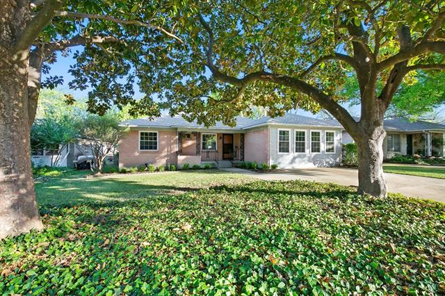 Photo of 6616 Pimlico Drive  Dallas  TX
