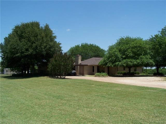 Photo of 508 E Mesquite  Abbott  TX